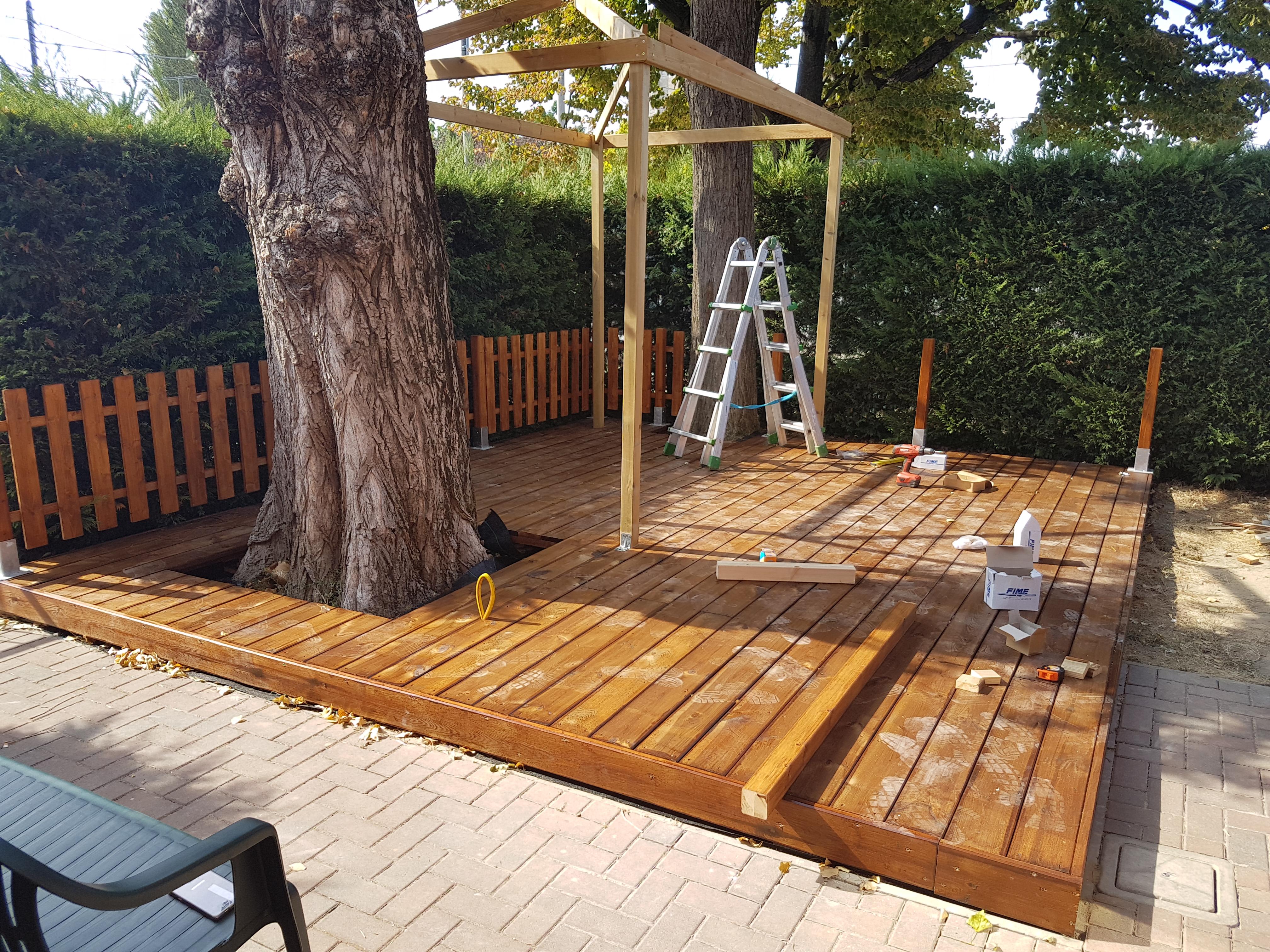 Nostre realizzazioni recinzione e pedana in legno - Recinzione piscina legno ...