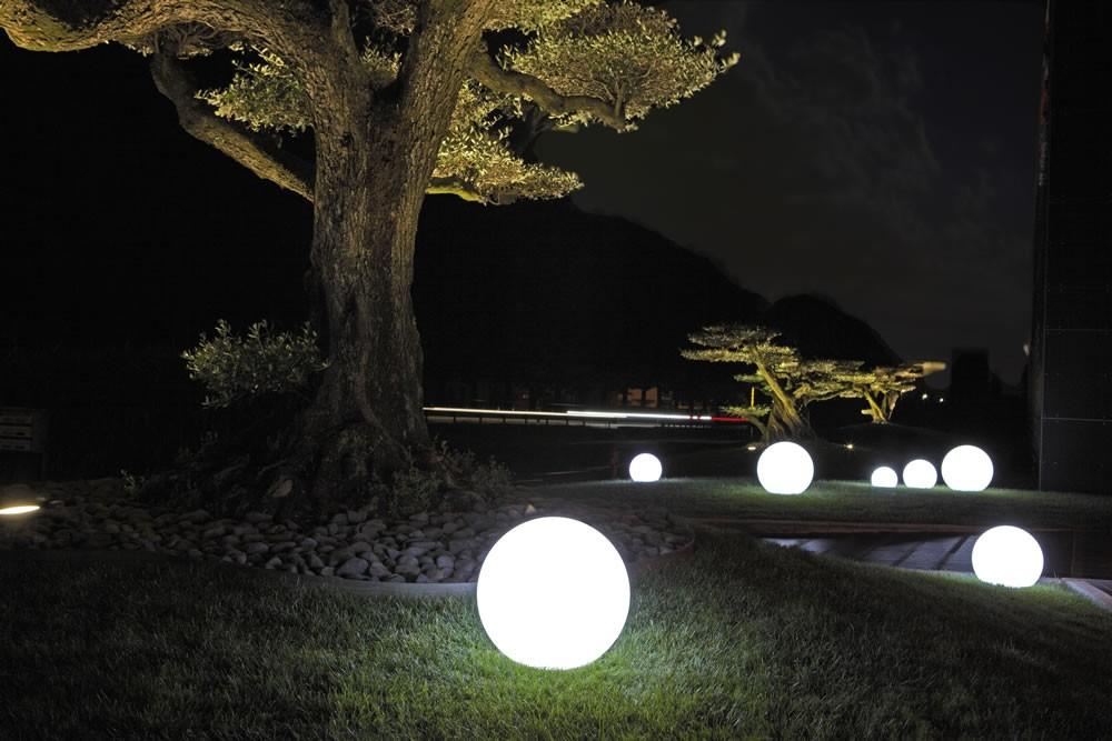Arredo Giardino Sfere Luminose