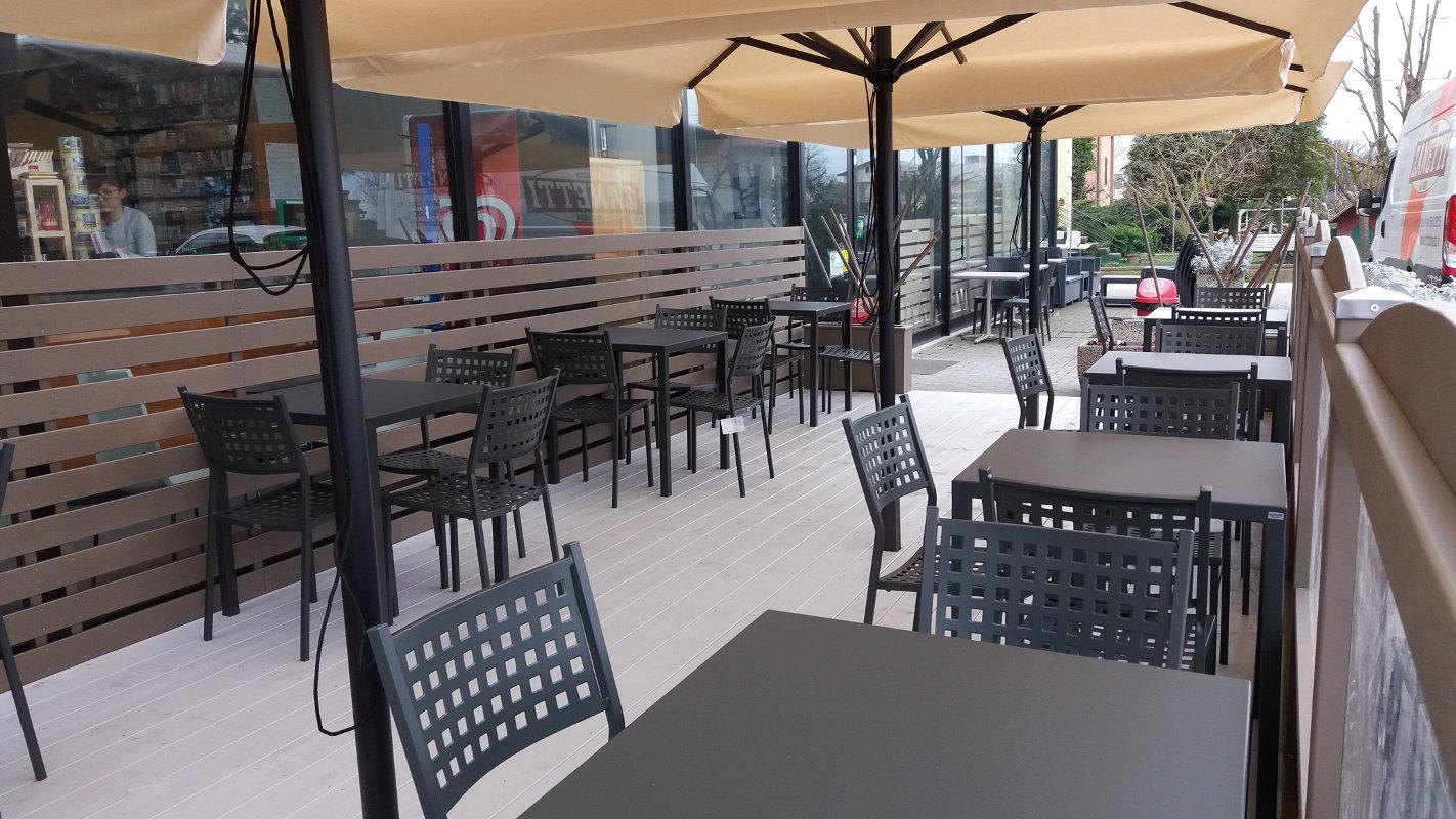 Tavoli e sedie tavoli quatris e sedie alice for Tavoli e sedie algida